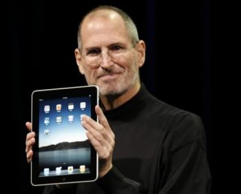 2 марта 2011 года Стив представил модель второго поколения iPad