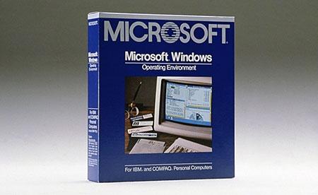 В 1985 году выходит первая версия Windows – 1.0
