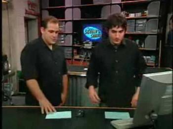 Кевин Роуз ведущий популярного технологического телешоу ScreenSavers на канале TechTV