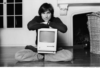 Джобс представил компьютер Macintosh с графическим интерфейсом пользователя